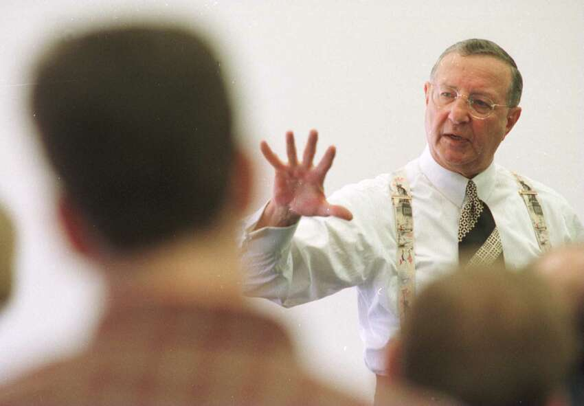Robert Danzig, the Hearst VP and General Manager of newspapers, right, speaks to students at The College of Saint Rose in Albany in 1997.