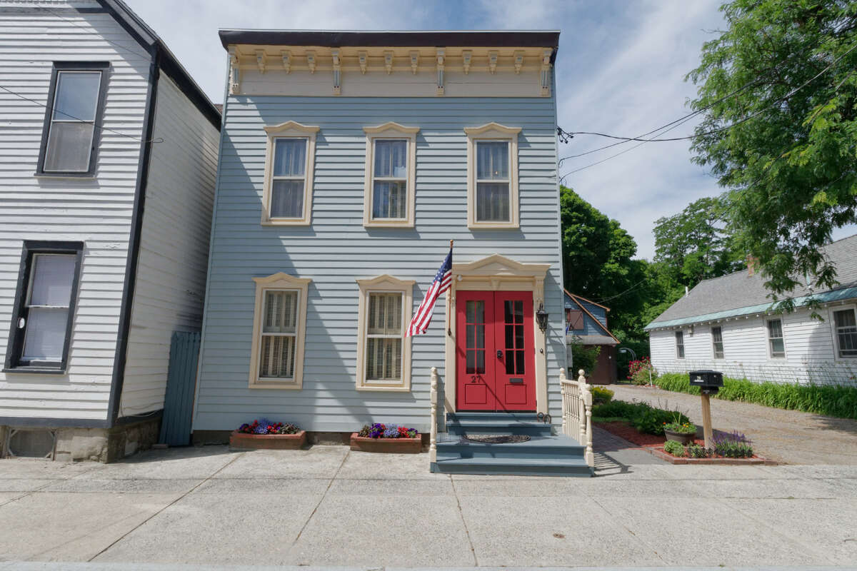 House of the Week: 27 North St., Schenectady | Realtor: Ed Burgher of Berkshire Hathaway HomeServices Blake | Discuss: Talk about this house