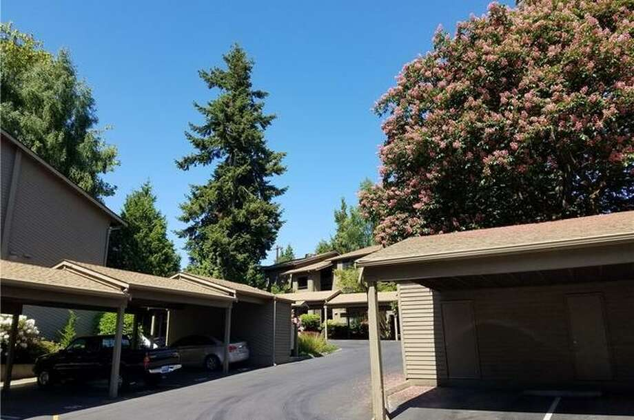 138 SW 116TH St Unit G34, Seattle, WA 98146, listed for $258,950. See full listing below. Photo: Listing Provided Courtesy Of Kelly Right RE Of Seattle LLC.