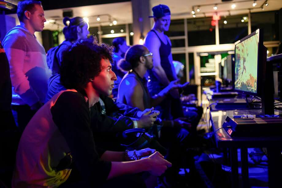 FILE PHOTO: Lucy Weeks plays Dragon Ball Z during the Level Up Series Wednesday Night Fights, at Esports Arena in Oakland, Calif., on Wednesday July 25, 2018. Photo: Michael Short, Special To The Chronicle