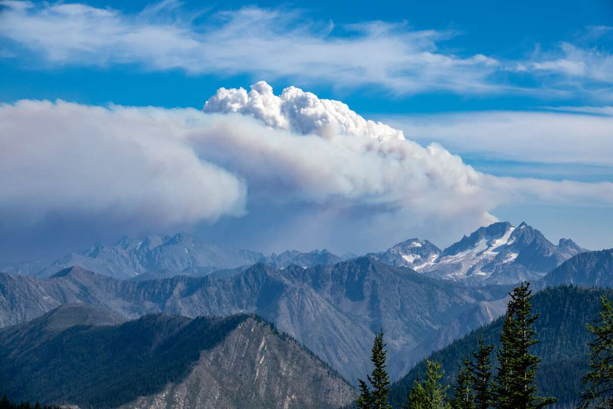 The 11,251-acre Crescent Mountain fire outside of Twisp, Washington has an estimated containment date of Oct. 22, 2018.