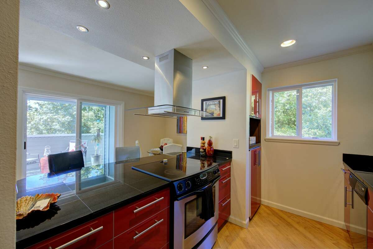 21925 7th Ave S #115, Des Moines, WA98198, listed for $255,000. See full listing below.