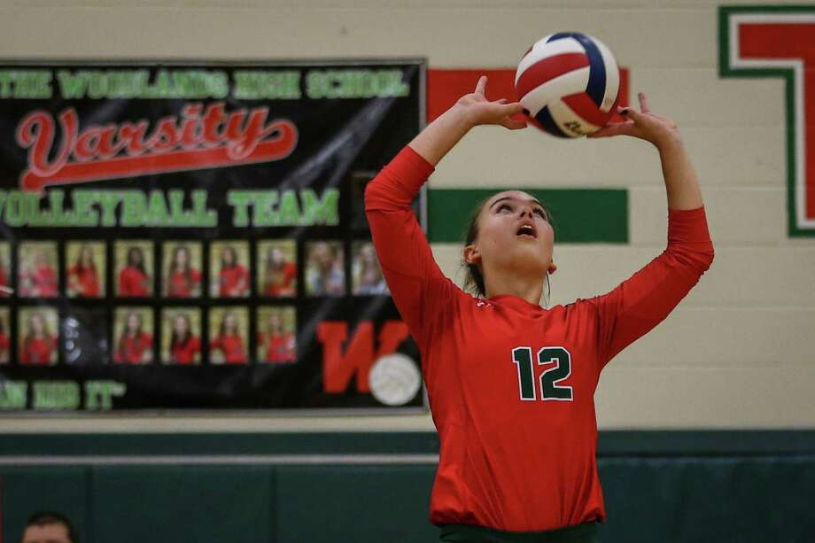The Woodlands' Clara Brower (12) sets the ball up during the volleyball game against College Station on Tuesday, Aug. 7, 2018, at The Woodlands High School. Photo: Michael Minasi, Staff Photographer / Houston Chronicle / © 2018 Houston Chronicle