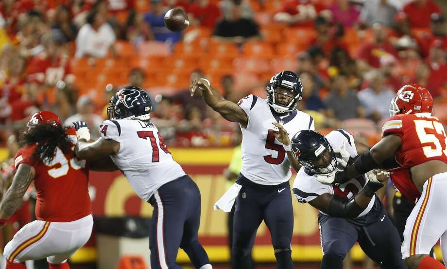 Houston Texans quarterback Joe Webb (5) passes over the Kansas City Chiefs defense during the third quarter of an NFL football game at Arrowhead Stadium on Thursday, Aug. 9, 2018, in Kansas City. Photo: Brett Coomer/Houston Chronicle