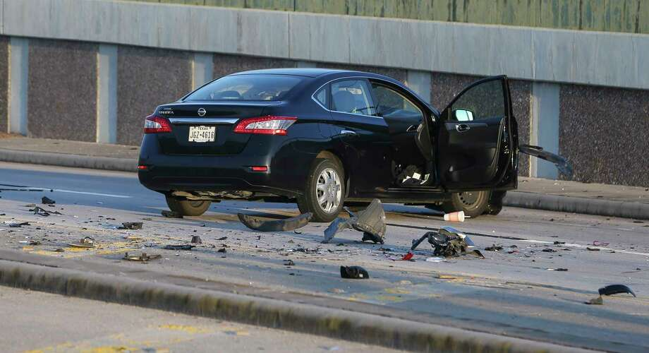 A crash killed a man at FM1960 westbound near Interstate Highway 45 on Friday, Aug. 10, 2018, in Houston. Photo: Yi-Chin Lee, Houston Chronicle / © 2018 Houston Chronicle