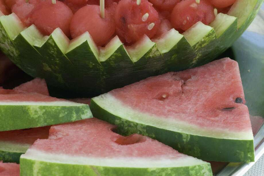 watermelon slices and balls Photo: Andreacato / Getty Images/iStockphoto / andrea catoni