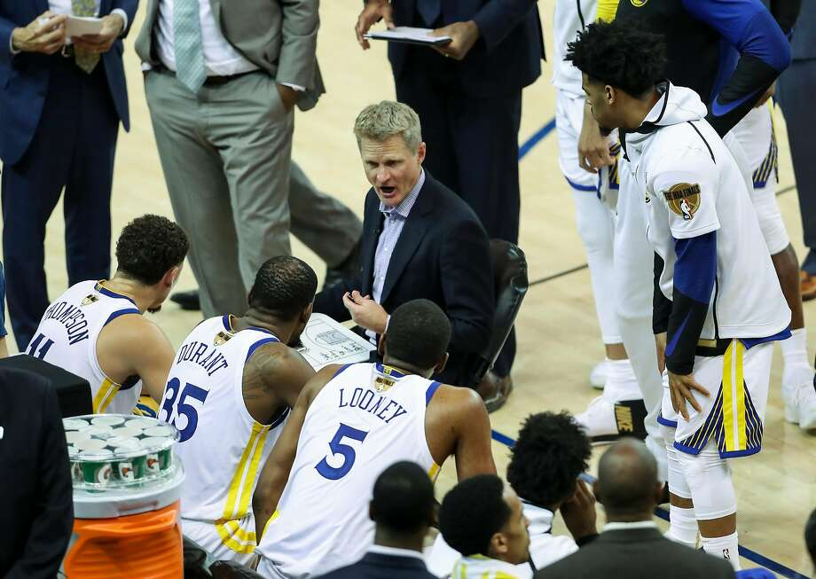 Golden State Warriors' head coach Steve Kerr talks to his team in the fourth quarter during game 1 of The NBA Finals between the Golden State Warriors and the Cleveland Cavaliers at Oracle Arena on Thursday, May 31, 2018 in Oakland, Calif. Photo: Scott Strazzante / The Chronicle