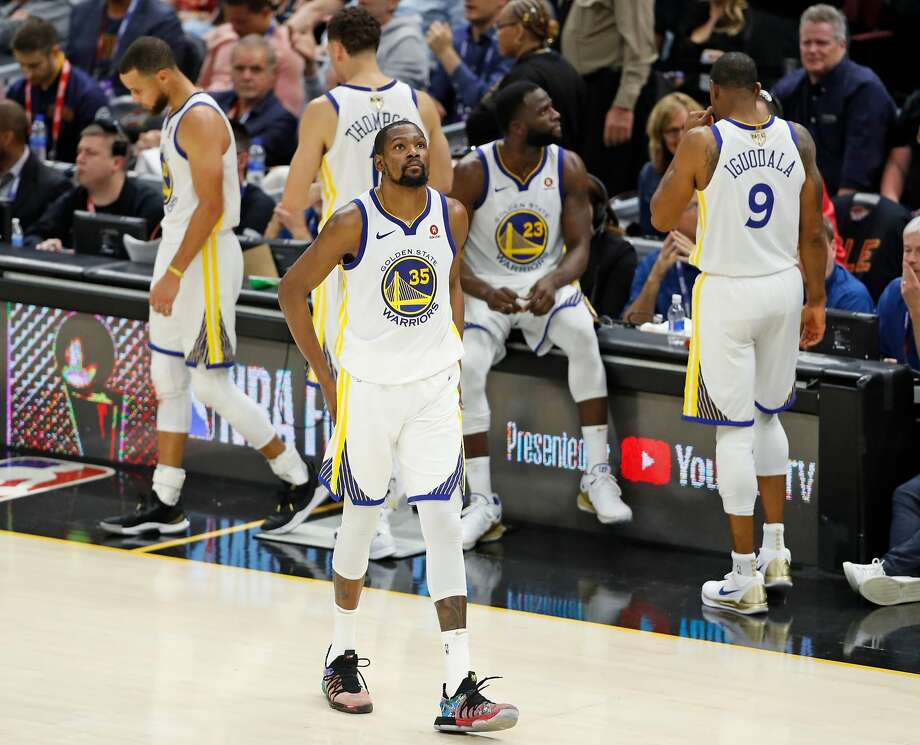 Kevin Durant and the Warriors will open the regular season at home on Oct. 16 against the Oklahoma City Thunder. Photo: Scott Strazzante / The Chronicle