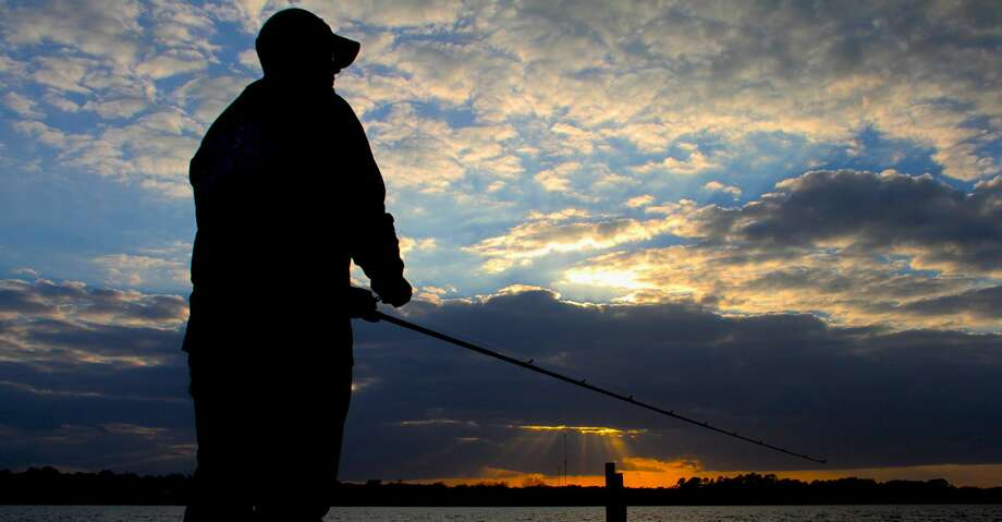 Annual fishing licenses held by most of Texas' more than 2 million anglers expire Aug. 31. Licenses for 2018-19 become available Aug. 15, giving  anglers opportunity to avoid what can be frustratingly long lines at licensing sites around the Labor Day weekend. Photo: Shannon Tompkins/Houston Chronicle