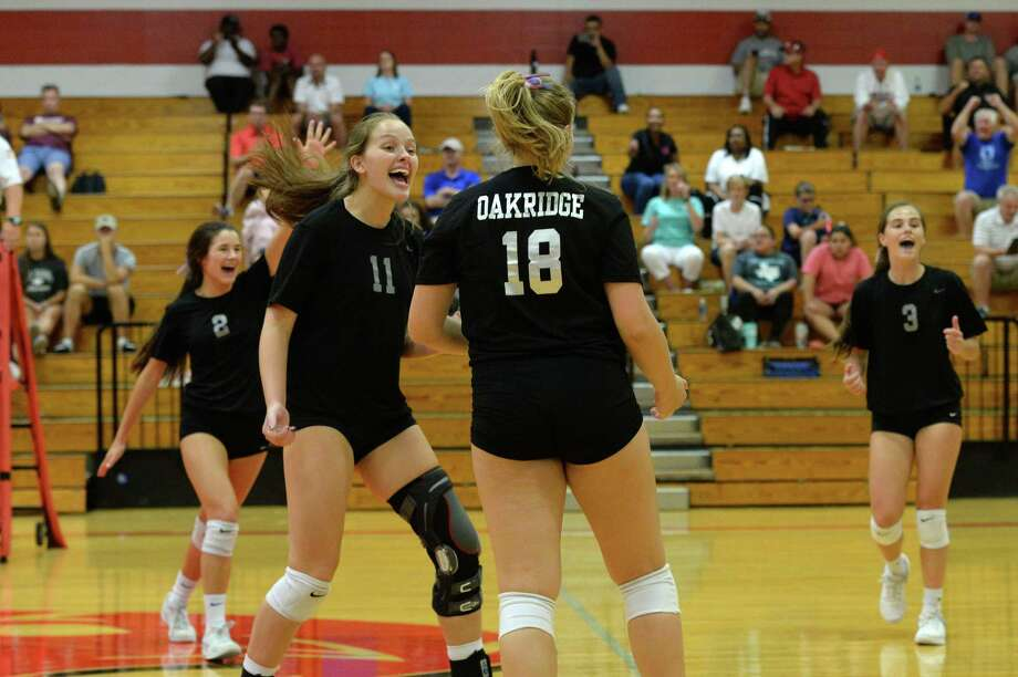 The Oak Ridge team celebrates a point in the second set of the Gold Bracket championship match between the Oak Ridge War Eagles and the Klein Bearkats during the of the 2018 Katy / Cy-Fair Volleyball Classic on August 11, 2018 at Katy High School, Katy, TX. Photo: Craig Moseley, Staff / Staff Photographer / ©2018 Houston Chronicle