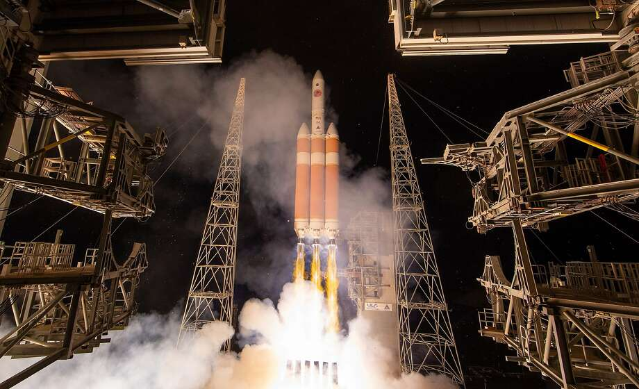 The Parker Solar Probe launches from Cape Canaveral. The craft eventually will get within 3.8 million miles of the surface of the sun, allowing scientists to vicariously explore the star. Photo: Bill Ingalls / NASA