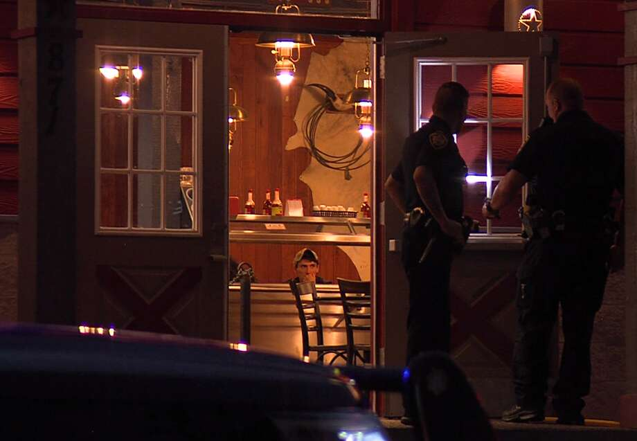 Police said an assailant held up the Bill Miller Bar-B-Q in the 800 block of Bitters Road early Sunday, August 12, 2018, before running out the back door of the restaurant. Photo: J.J. Trevino / 21 Pro Video