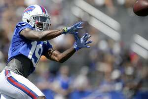 Buffalo Bills wide receiver Quan Bray catches a pass during practice at the NFL football team's training camp in Pittsford, N.Y., Friday, July 27, 2018. (AP Photo/Adrian Kraus)
