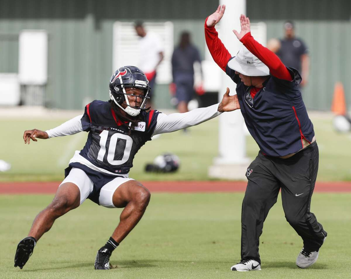 Houston Texans wide receiver DeAndre Hopkins (10) runs a pass route during training camp at the Methodist Training Center on Monday, Aug. 13, 2018, in Houston.