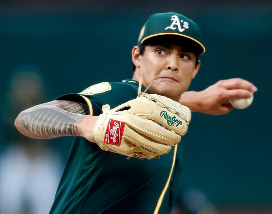 Oakland Athletics' Sean Manaea delivers in 1st inning against Seattle Mariners during ML:B game at Oakland Coliseum in Oakland, Calif. on Monday, August 13, 2018. Photo: Scott Strazzante / The Chronicle