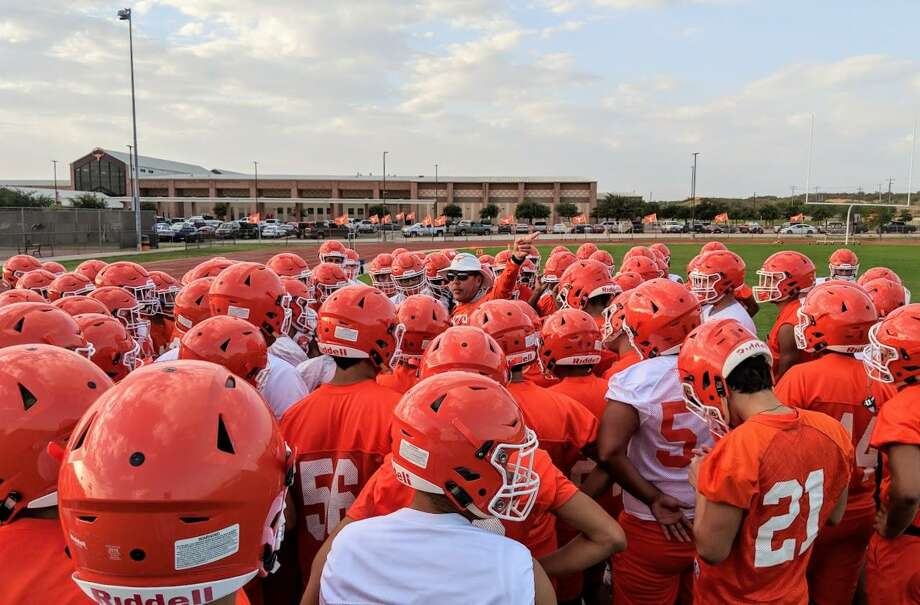 Head coach David Sanchez and United missed the playoffs for the first time in eight seasons in 2017 due to a loss in the regular-season finale to rival Alexander. Photo: Jason Mack /Laredo Morning Times