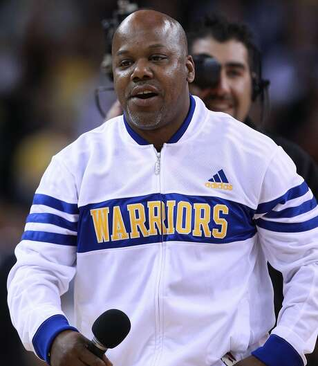 Rapper Too Short performs at a game between the Los Angeles Lakers and the Warriors at Oracle Arena on April 6, 2011. Photo: Jed Jacobsohn / Getty Images 2011