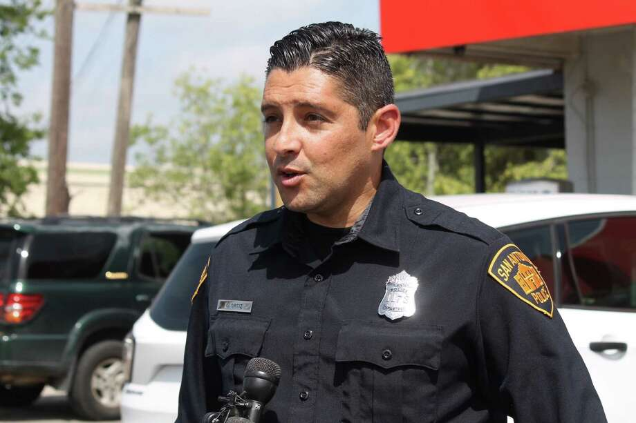 San Antonio police are searching for a man who fled into a wooded area near the Dominion after the police found him near a stolen pickup on Tuesday, Aug. 14, 2018. Photo: Fares Sabawi/San Antonio Express-News