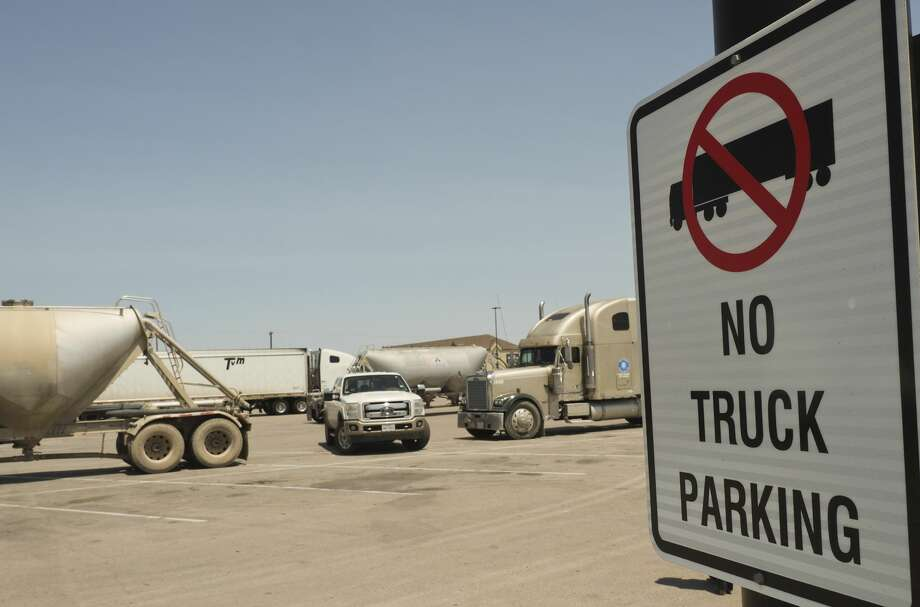 The City of Midland will be enforcing private parking ordinance like the no truck parking in the southside Walmart parking lot. 08/14/18  Tim Fischer/Reporter-Telegram Photo: Tim Fischer/Midland Reporter-Telegram