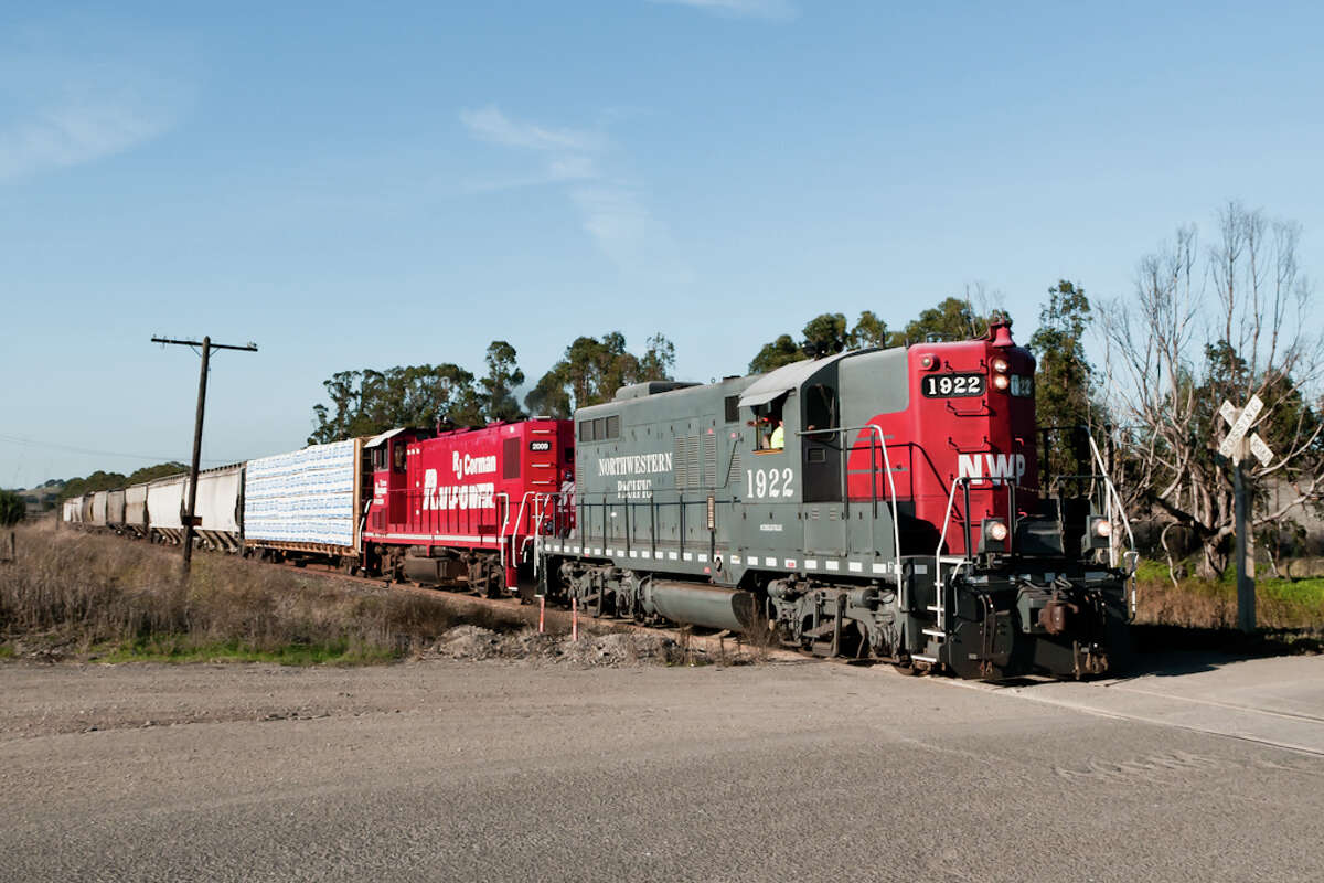 Northwestern Pacific No. 1922 runs freight near Petaluma, Calif., in 2011.