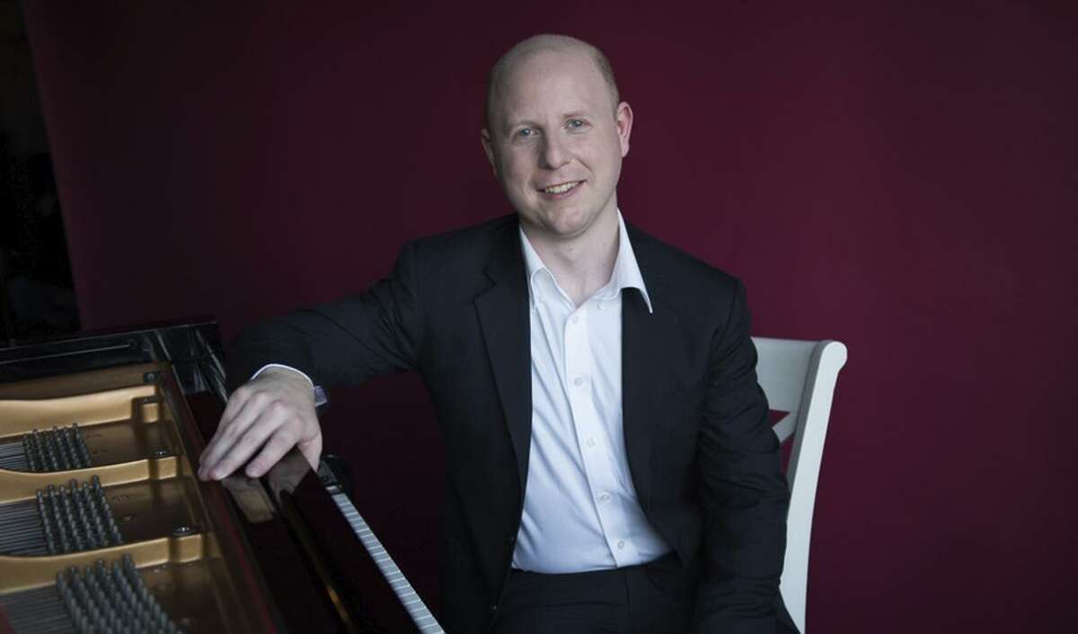 Jeffrey LaDeur is a featured artist at the Debussy Centennial Festival.