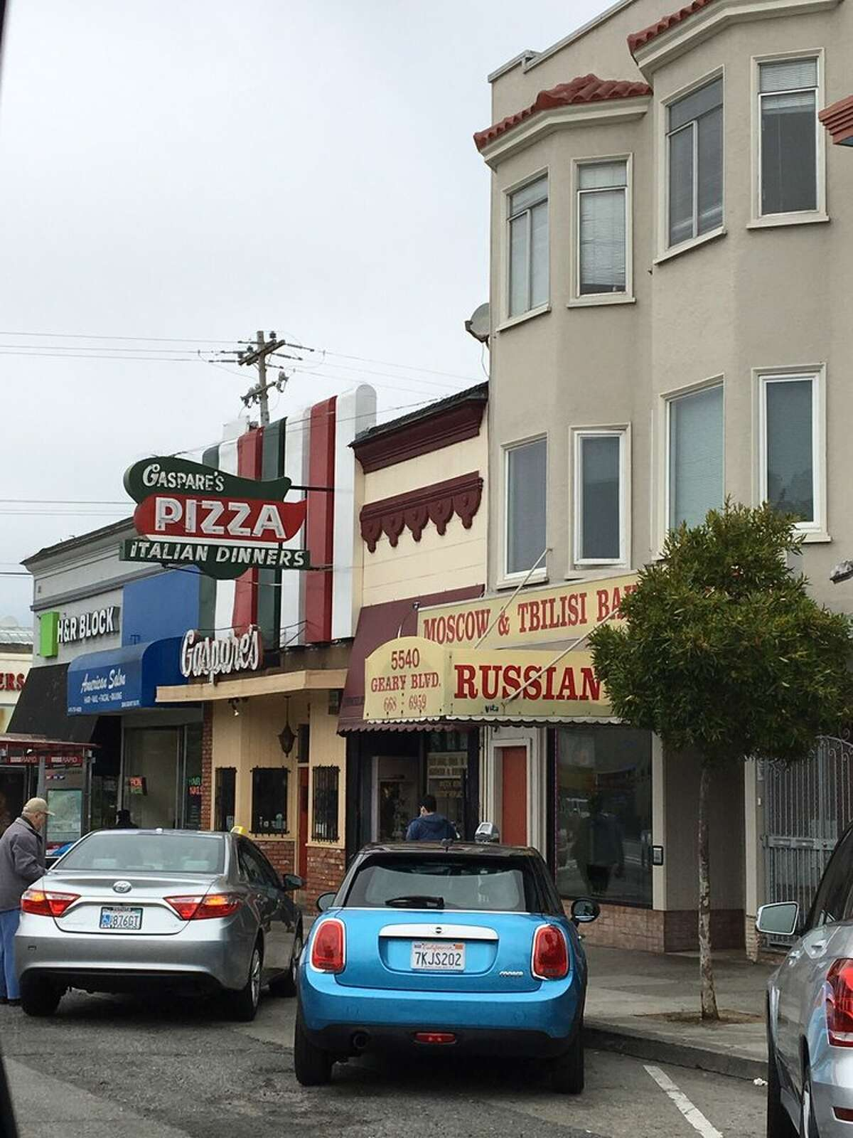 Gaspare's Pizza House & Italian Restaurant 5546 Geary Blvd. Chronicle food critic Michael Bauer wrote in 2007,