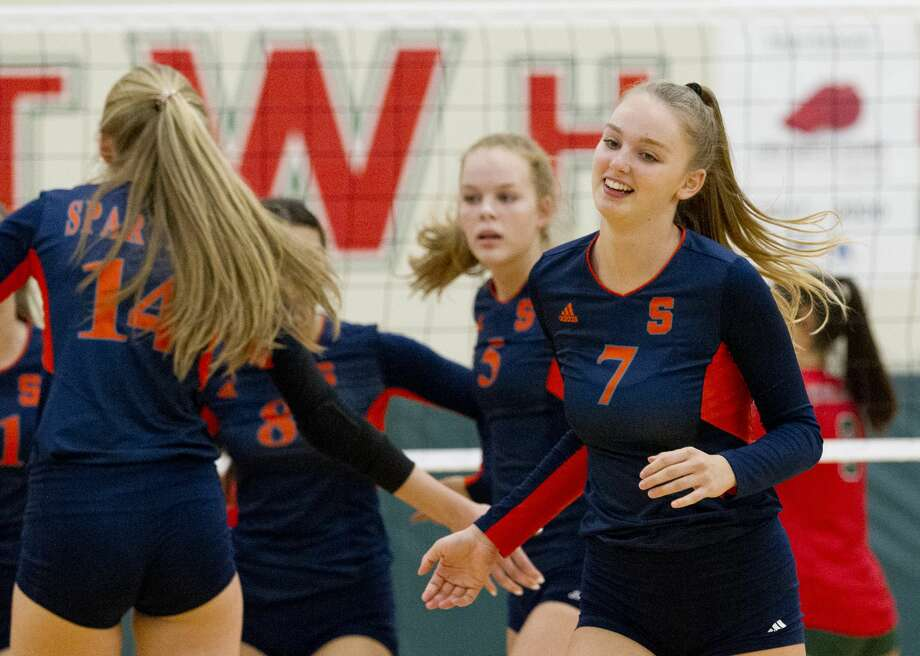 Seven Lakes' Lexi Stumbough (7) reacts after scoring an ace during the first set of a non-district match at The Woodlands High School on Tuesday, Aug. 14, 2018, in The Woodlands. Photo: Jason Fochtman/Houston Chronicle