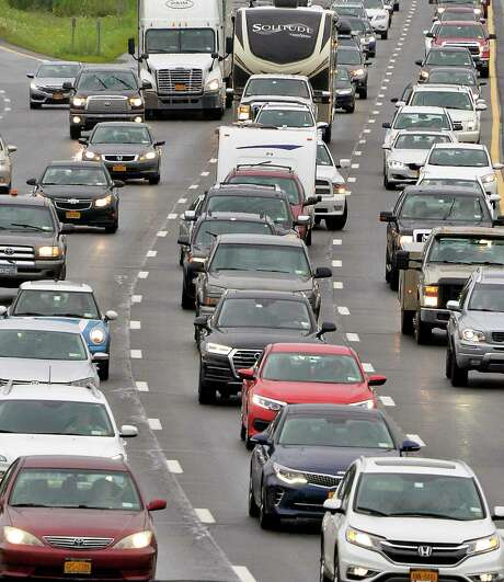 Traffic crawls northward at Exit 6 during rush hour on the Northway in Colonie, NY.  (John Carl D'Annibale/Times Union) / 20044489A