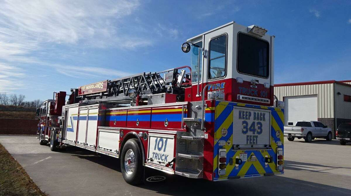 The Woodlands Fire Department's new Pierce Ascendant 107' Tiller on a Velocity chassis has completed production! 300 gallons of water & 1250 GPM pump with the heavy duty steel Ascendant ladder (107' vertical, 100' horizontal)