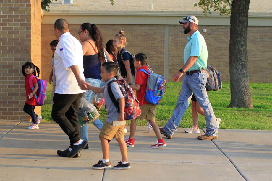 Click through to see reader-submitted photos from the first day of school>>> Photo: James Durbin / ? 2018 Midland Reporter-Telegram. All Rights Reserved.