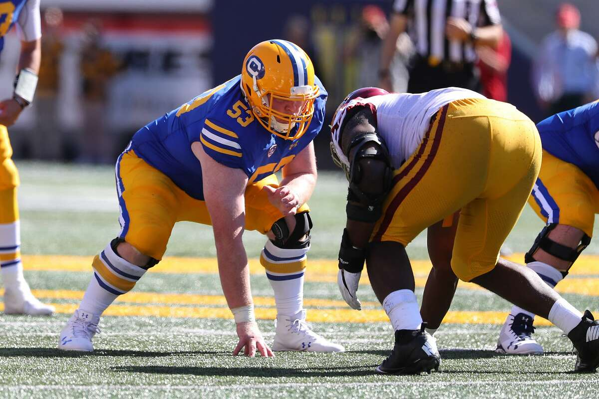 Michael Saffell began his Cal career at guard before moving to center for the 2019 season. On Tuesday, he was named the Pac-12's Football Scholar Athlete of the Year.