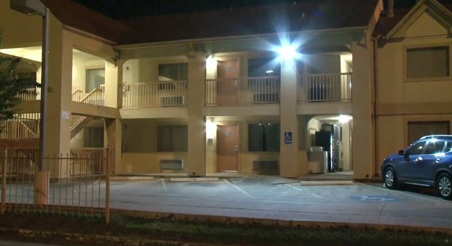 At least one person was robbed at an inn on Highway 290 and 43rd Street on Wednesday, Aug. 15, 2018. Photo: Metro Video