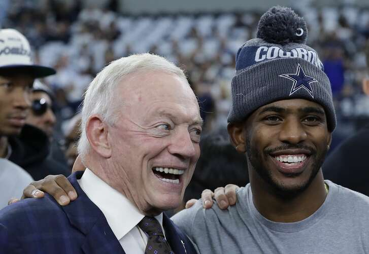 ARLINGTON, TX - NOVEMBER 24:  (L-R) Owner Jerry Jones of the Dallas Cowboys talks with Chris Paul of the Los Angeles Clippers before a game between the Washington Redskins and the Dallas Cowboys at AT&T Stadium on November 24, 2016 in Arlington, Texas.  (Photo by Ronald Martinez/Getty Images)