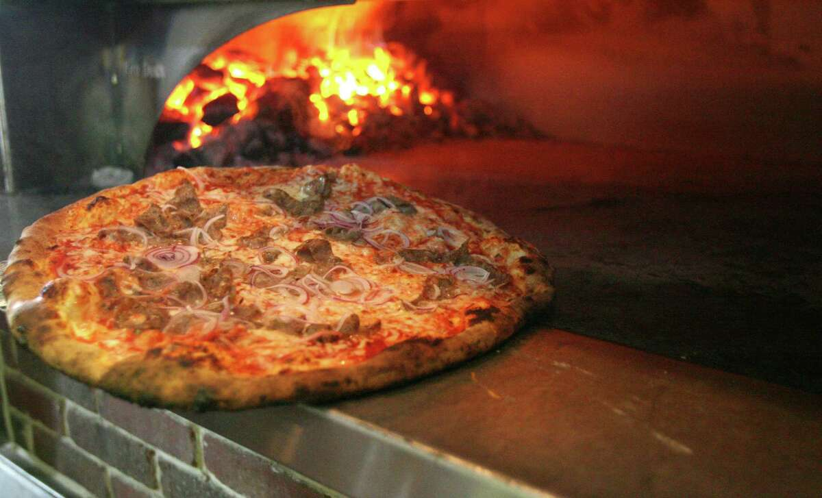 Russo's New York Pizzeria announced it will introduce a new brewery concept, Russo's New York Italia Pizza Kitchen & Brewery.