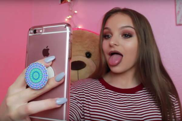 Facebook The trend among Gen Z: Snapchat and Instagram are becoming the preferred social networks for teens. Only 8% of teens said Facebook is their favorite social media platform in 2018, while 45% chose Snapchat and 26% picked Instagram.