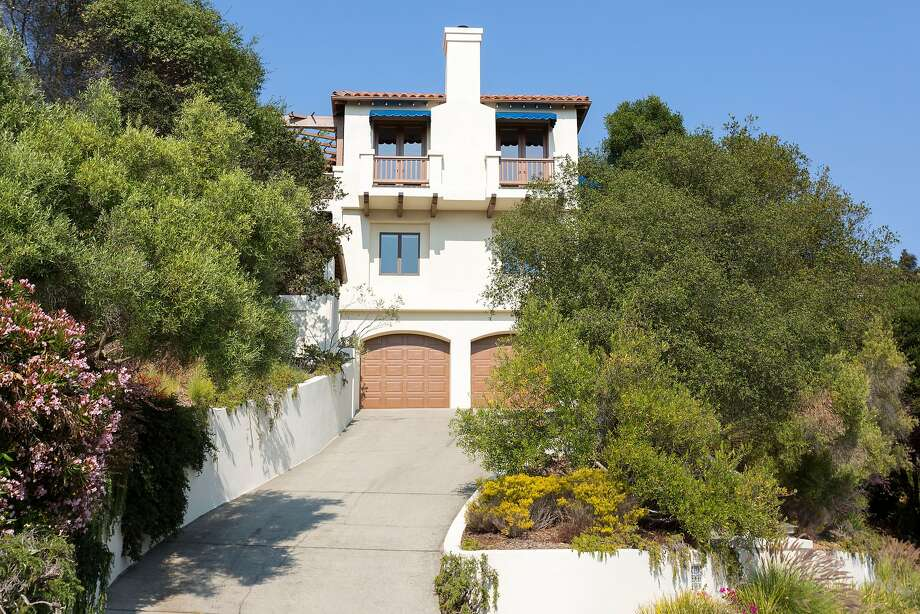 930 Aquarius Way in Oakland is a three-bedroom Mediterranean available for $1.349 million.  Photo: Liz Rusby / Grubb Co.