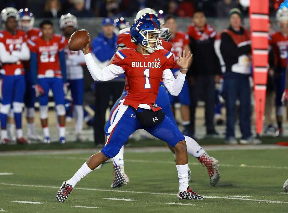 Kaiden Bennett will be at the controls for Folsom, which is coming off an unbeaten state-championship season. Photo: Todd Shurtleff / MaxPreps