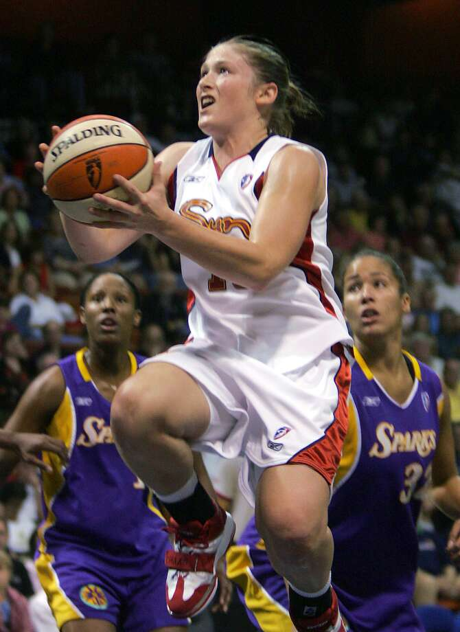 Former Connecticut Sun guard Lindsay Whalen, who is retiring at the end of this season, won six playoff series in her six seasons with the Sun. Photo: Associated Press File Photo / AP