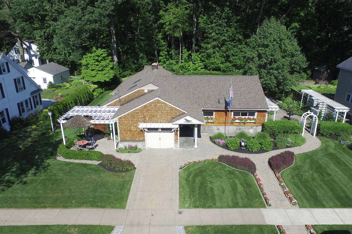 House of the Week: 28 Pinewood Ave., Saratoga Springs | Realtor: For sale by owner | Discuss: Talk about this house