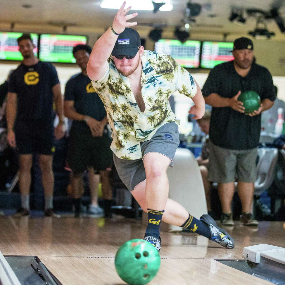 Michael Saffell brings his lineman mind-set to the bowling al ley and made sure his squad won at a team-wide bowling night.