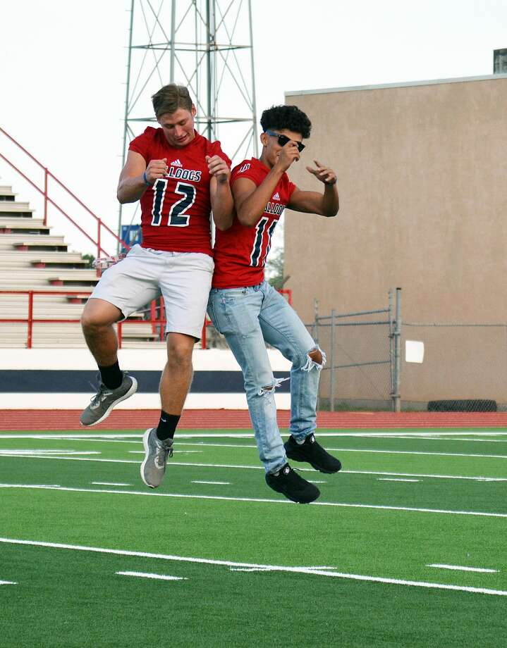 Plainview High School held its annual Meet the Bulldogs celebration on Thursday evening at Greg Sherwood Memorial Stadium. The event highlighted the fall sports, including football, volleyball, cross country and tennis. Photo: Alexis Cubit/Plainview Herald