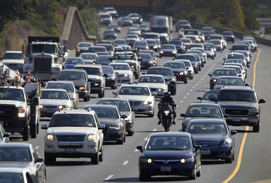Seven-vehicle crash near Caldecott Tunnel causes severe traffic - SFGate