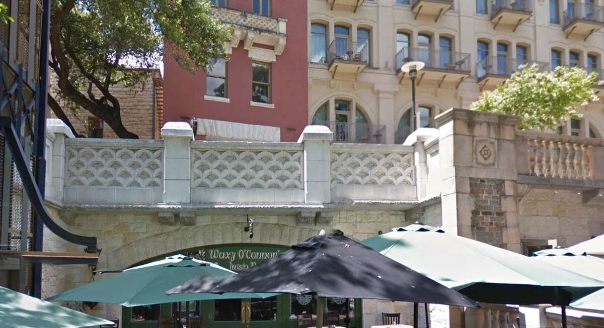 Waxy O'Connor's Irish Pub: 234 Riverwalk Date: 07/18/2019 Score: 83 Highlights: Inspectors observed