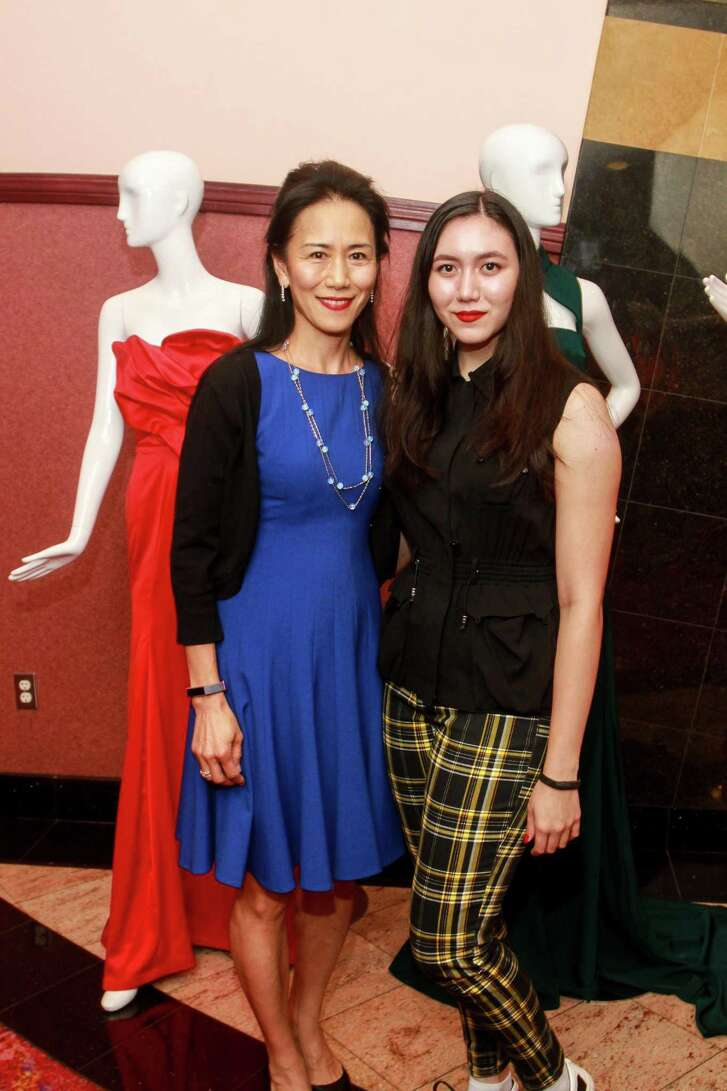Y. Ping Sun, left, and daughter Mei Leebron
