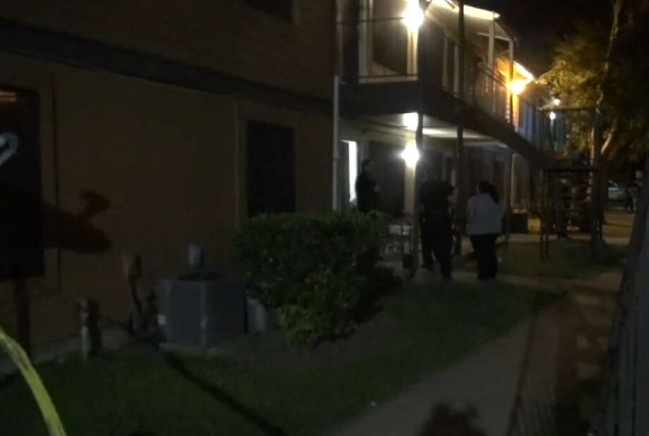 A woman died Friday after being stabbed in the back inside her southwest Houston apartment, the Houston Police Department said. The victim, who is about 52-years-old, was pronounced dead around 10:30 p.m. at the Cantera Apartments in the 10500 block of Spice Lane. Photo: Metro Video LLC / For The Houston Chronicle