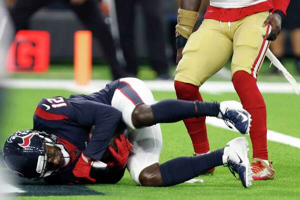 Houston Texans wide receiver Bruce Ellington (12) comes down with a 1-yard touchdown reception against the San Francisco 49ers during the first quarter of an NFL preseason football game at NRG Stadium on Saturday, Aug. 18, 2018, in Houston.