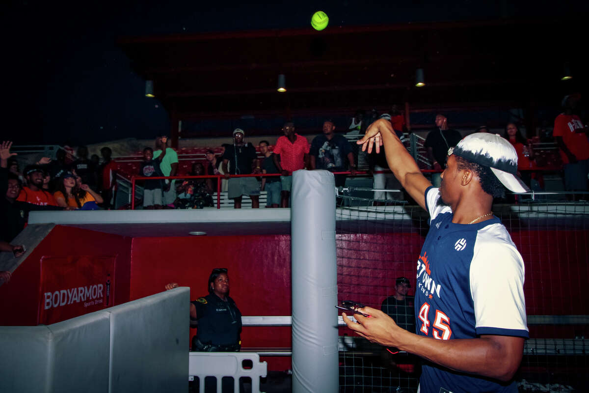 Donovan Mitchell interacts with fans after the celebrity softball game at the University of Houston on day two of the 2018 JH-Town Weekend presented by Houston Rockets superstar James Harden. (Photo by Marco Torres/@MarcoFromHouston)