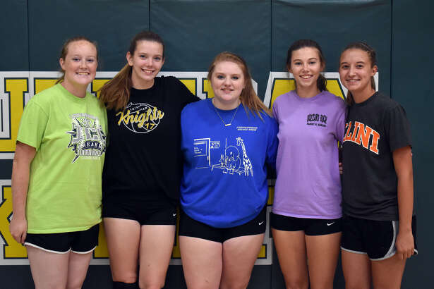 Senior members of MELHS volleyball team from left are Sidney Vetter, Taylor Bradley, Olivia Haulsen, Kate Weber and Sami Kasting.