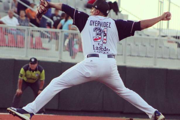 Jose Oyervides threw six scoreless innings leading the Tecolotes Dos Laredos to a shutout for the second time this week as they beat Generales de Durango 5-0 Sunday in Nuevo Laredo.