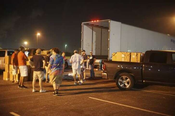 JDRF Houston Gulf Coast Chapter members worked together to unload 3,750 pounds of diabetic medical supplies from a semi. The supplies were disbursed to those living with Type 1 diabetes that were affected by Hurricane Harvey.